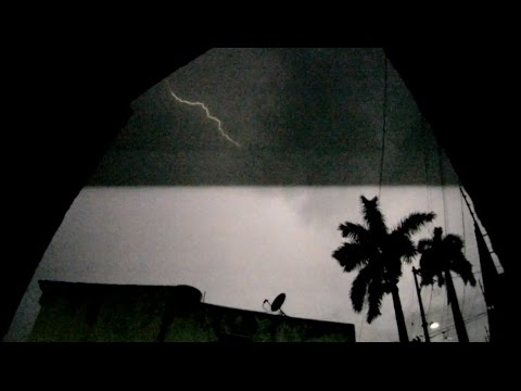 Intense Nighttime Thunderstorm in Acapulco
