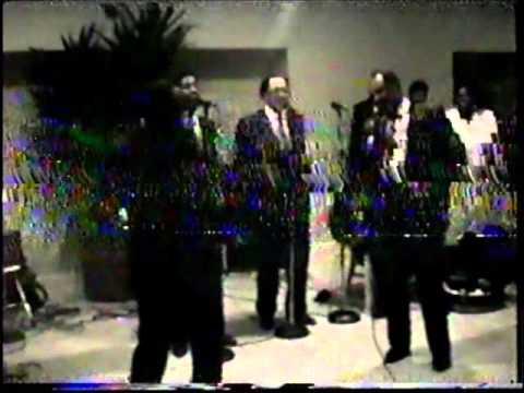 Dixie Hummingbirds - Help Me.wmv