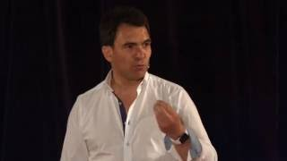 De l'intelligence artificielle à une intelligence augmentée | Nicolas Sekkaki | TEDxPanthéonSorbonne
