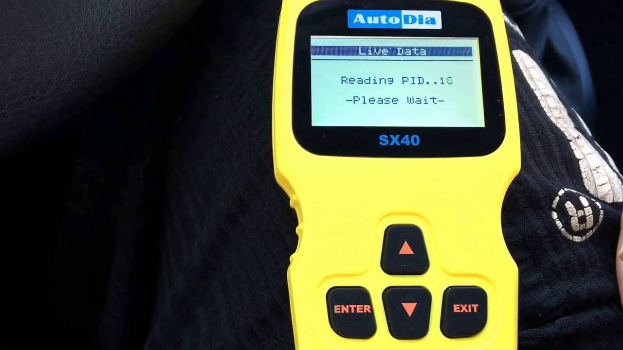 How to use an OBD2 scanner read error codes with OBD scan tool malfunction  code Renault Twingo 2 DIY