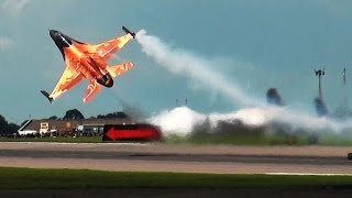 Awesome Dutch F-16 Display at Waddington Airshow 2012.