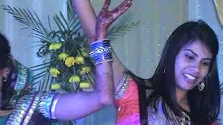 Dance for bride and mother Babul ki raniyaa