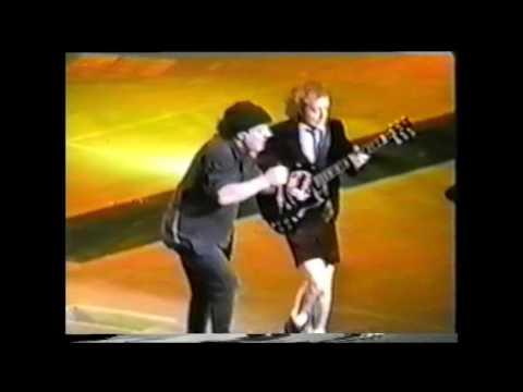 AC/DC - Stiff Upper Lip - Madison Square...