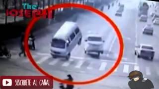 fuerza desconocida levanta autos en china ( la verdad ) 26/11/2015