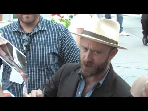 Ben Foster gets angry with collector at premiere of 'Hell or High Water' in LA