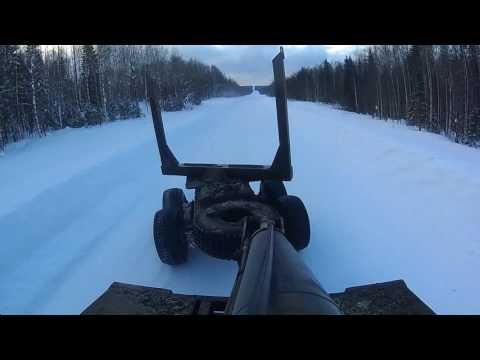 Тест драйв Урал лесовоз. Разгон 90+ и дрифт по гололёду. Test drive the Ural truck
