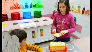 Kids Pretend Play Cooking in the Kitchen
