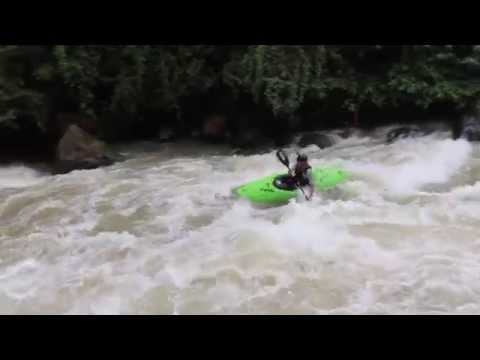 Unbelievably Beautiful White Water Kayaking