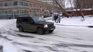 Ураганный гололед возле ЖК, 2 июня 2017 года в Москве выпал снег