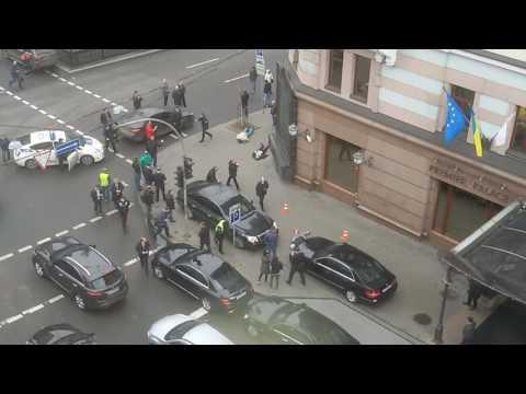 Убит экс депутат Госдумы РФ Денис Вороненков  23.03.2017 первые минуты после последнего выстрела
