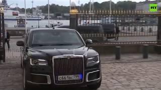 Vladímir Putin llega al Palacio Presidencial de Helsinki en su Aurus