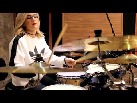 Chandelier - Sia / Rayani Martins Drum Cover