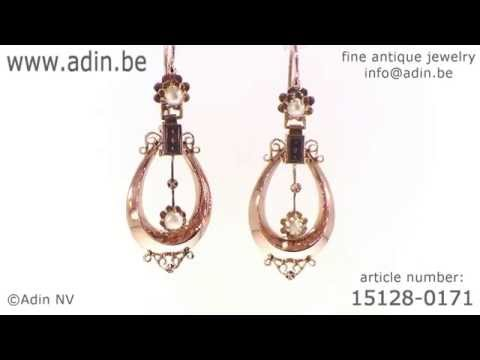Red gold long pendent antique earrings with real orient seed pearls. (Adin reference: 15128-0171)