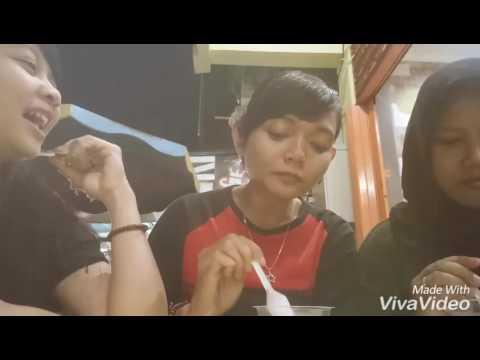 Makan Ice Cream Hula Hula Banjar Baru Samping  GST Distro