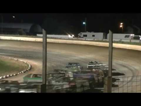 #05 Jake Hartung - Driving his WISSOTA Modifed to Victory Lane