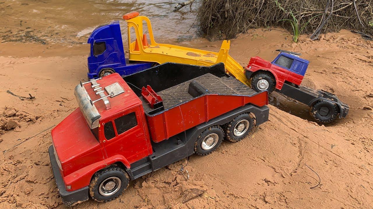 caminhões guincho  resgatando caminhão truck transport