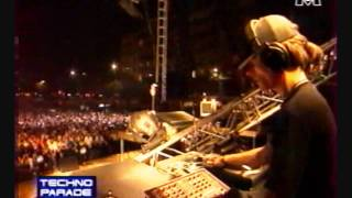 MANU LE MALIN @ TECHNO PARADE 98 Paris VHS 15min