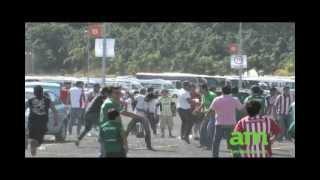 Aficionados de Chivas y León protagonizan bronca