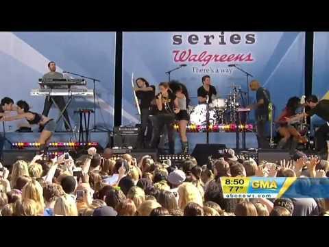 Miley Cyrus - Robot Live At Good Morning America