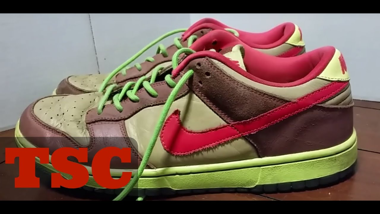 new styles 3beed b0ae9 The Sneaker Chop Nike SB Dunk Low Toxic Avengers