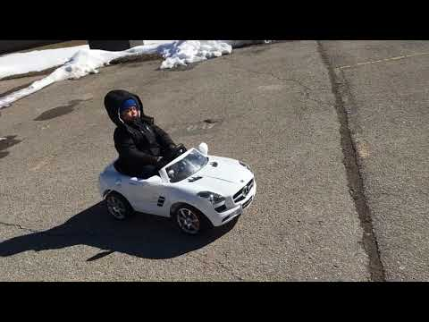 Kids Riding Power Wheel Mercedes Benz SLS & Playing With Ball & Snow