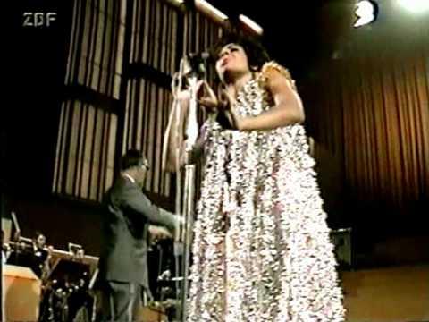 Shirley Bassey - GOLDFINGER (1969)