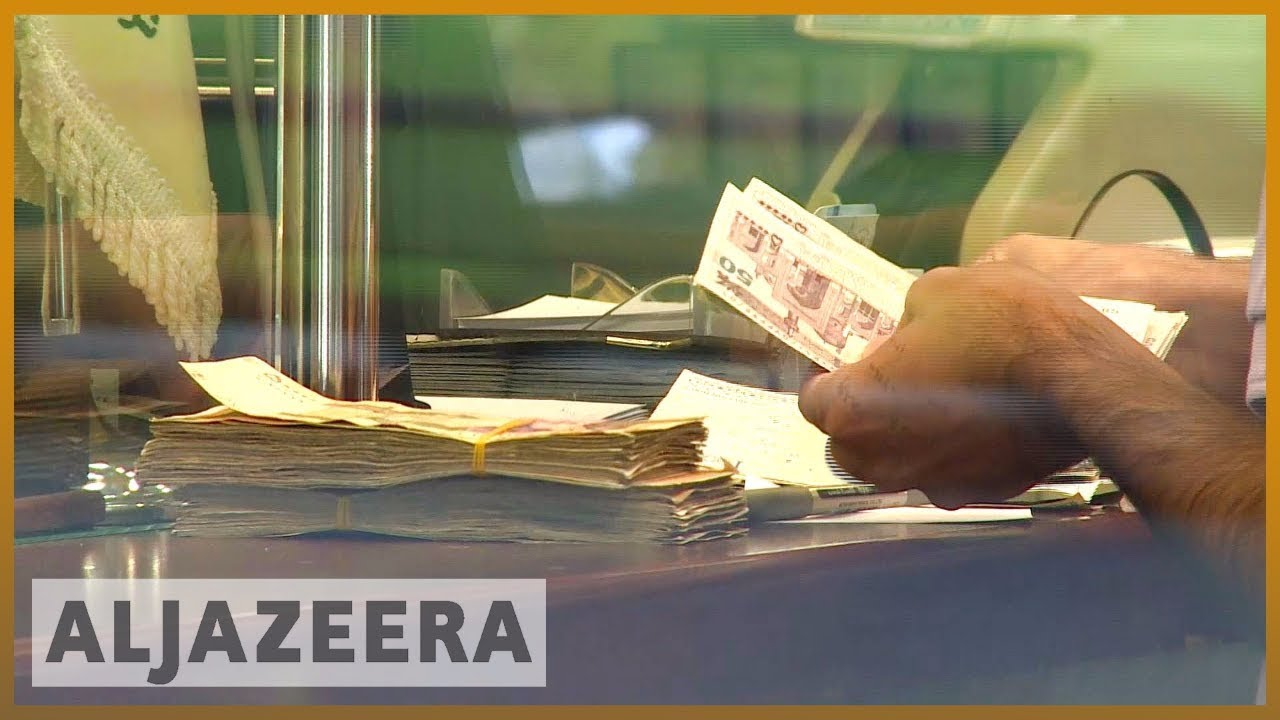 🇮🇷 Iran currency halves in less than a year 