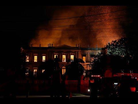 Un incendio devora o Museo Nacional de Río de Janeiro