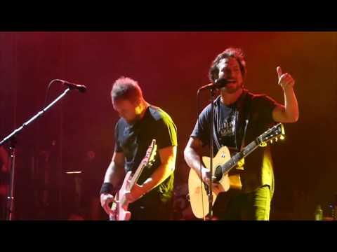 Pearl Jam - Rain - Wrigley Field (August 20, 2016)