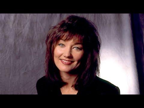Singer, songwriter Lari White dead at 52