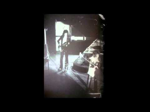 1.-queen---procession,-live-in-tokyo-(05-01-1975)
