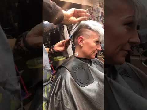 Foto taglio capelli loretta goggi