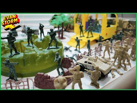 Pretend Play Plastic Army Men Fun Bucket |