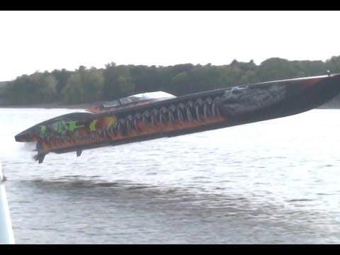 """HUGE JUMP MTI 48' """"UFO"""" Twin 1350 Mercury racing HD"""