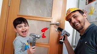 batuhan tamirci amca olduu tamirat seti ile babasyla evimizde kapy tamir etti