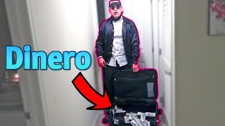 Llega con un MALETÍN de DINERO | Me da 5 mil dólares (HotSpanish Vlogs)
