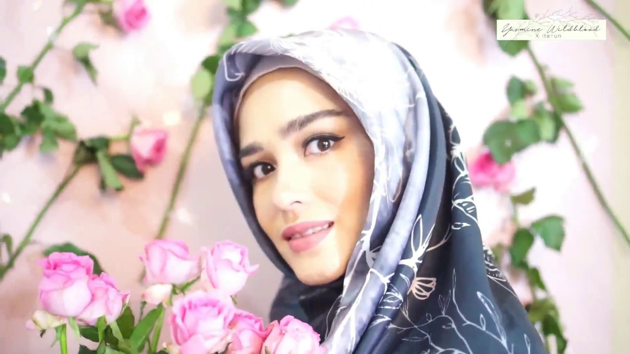 Hasil gambar untuk Yasmine Wildblood hijab