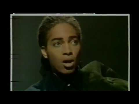 Terence Trent D'arby - Sign Your Name (Lenny Henry Christmas Special 24-12-1987)