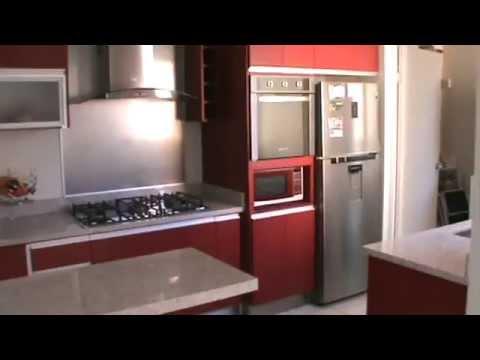 Excellence cocinas cocina roja con granito youtube for Cocinas con granito