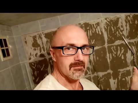 Как отбить старую плитку в ванной видео уроки
