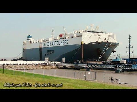 car carrier HÖEGH PUSAN 9VIG IMO 9153783 Emden Ro Ro cargo ship merchant vessel Autotransporter
