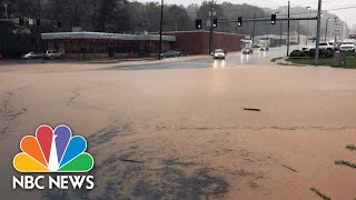 Watch Drivers Push Through Hurricane Michael Floodwaters In Virginia | NBC News