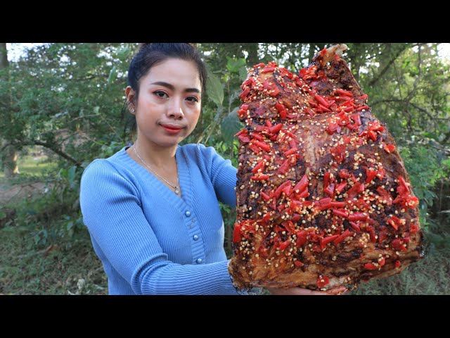 Ribs pork roasted with chili recipe with my sister - Cooking skill
