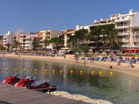 Puerto Pollensa - Beaches and Marina in the heat of the day, July 2014 HD