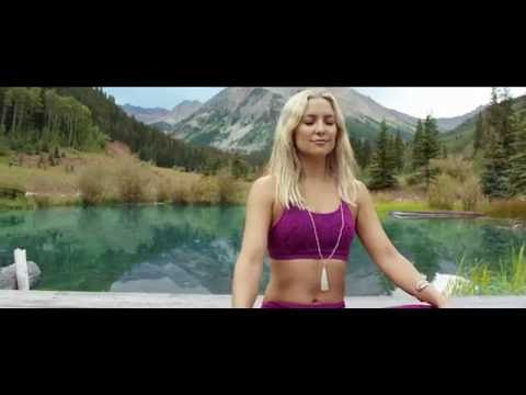 Fabletics Heads Home to Aspen with Kate Hudson