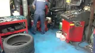 アウディ・TTにADVAN・RZ-DFとトーヨー・T1スポーツタイ...