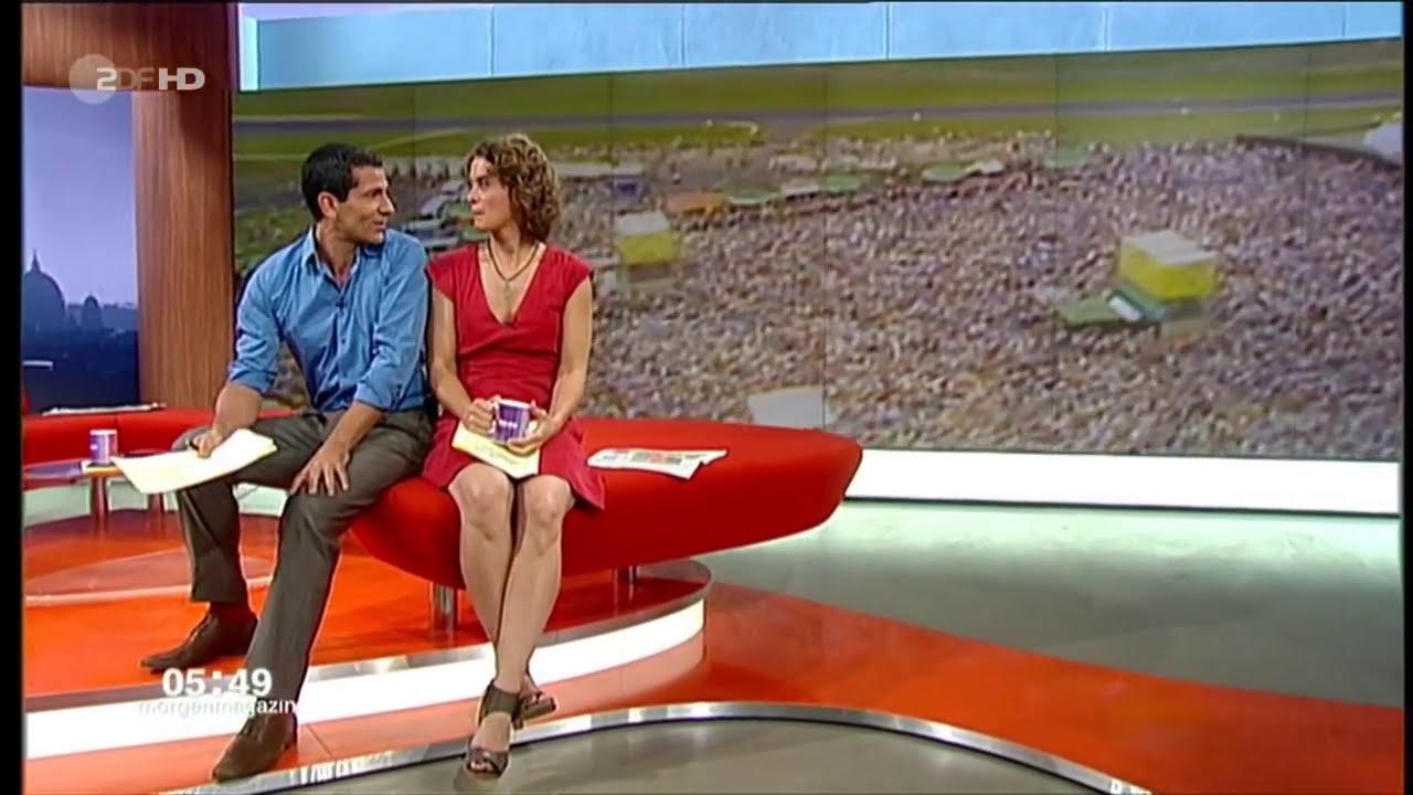 Milf Samira macht schön die Beine Breit zum Poppen