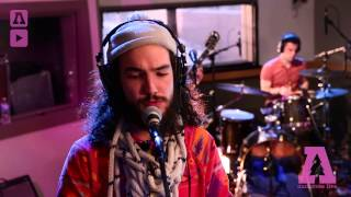 whysowhite - Love Vibrations - Audiotree Live