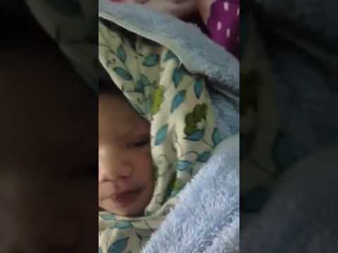 Newborn Baby Hiccups - 1 Hour Old /Sayemon first day in the world