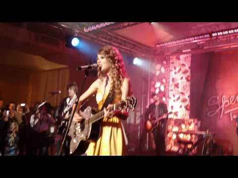 Mine - Taylor Swift - Speak Now Premiere Party